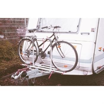Cykelholder Polo Frontmonteret - Cykelholder Polo Frontmonteret Cykelholder med plads til to cykler. Den øverste del kan vippes, så der sikres nem adgang til gaskassen. Leveringsomfang: - Cykelholder- - beslag til montering. - Quick Safe fixing system til fasgørelse af cyklerne. - Remme
